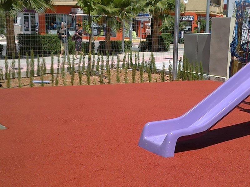 Pavimento caucho parques infantiles Castellon